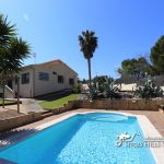 Casa Els Cards Sitges - pool and terrace view