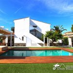 Villa Chic Sitges pool and chill out area