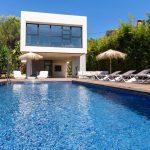 Villa Val Verde pool area