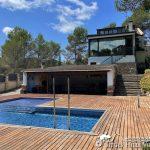 Villa Santa Fe pool and sundeck